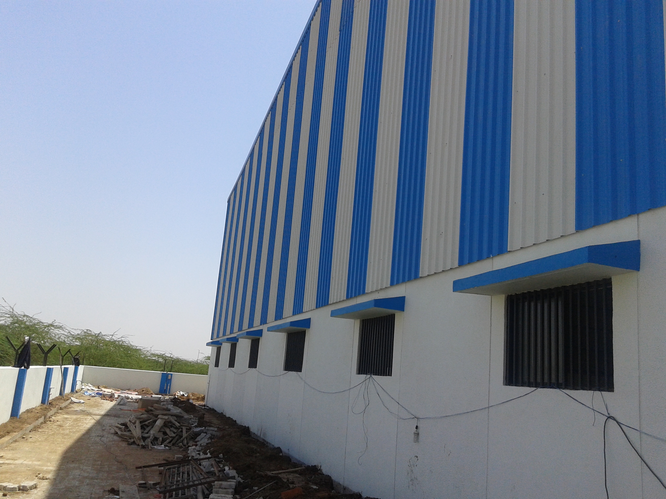 INDUSTRIAL SHED TO LET   RENT IN MEHSANA – 250000 SQ.FT – 9825249510